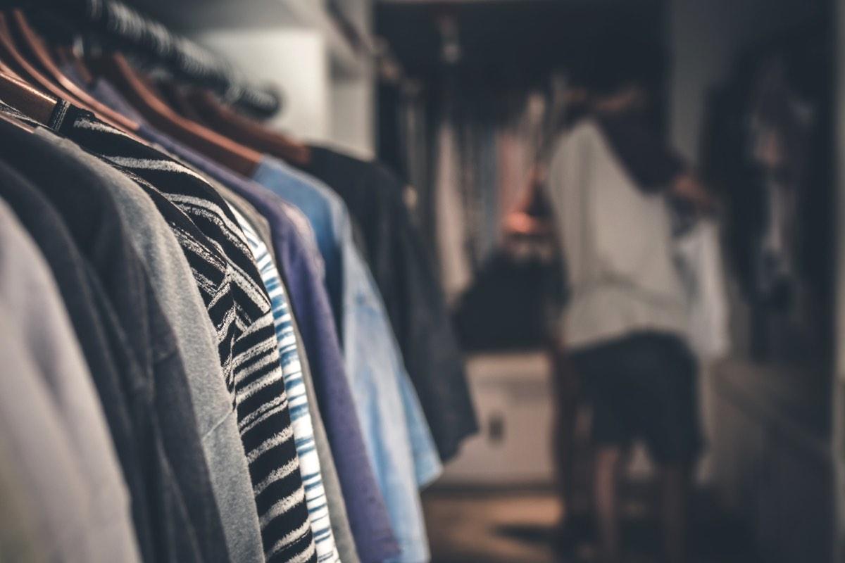 Venta de garage de ropa usada